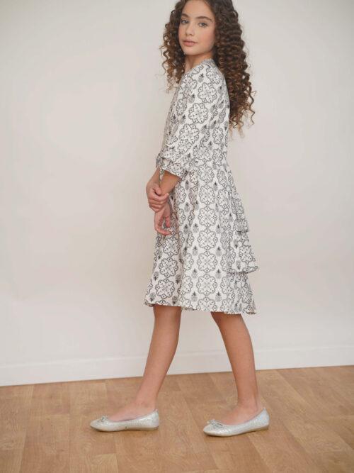 שמלה עם הדפס פרחים ואננסים