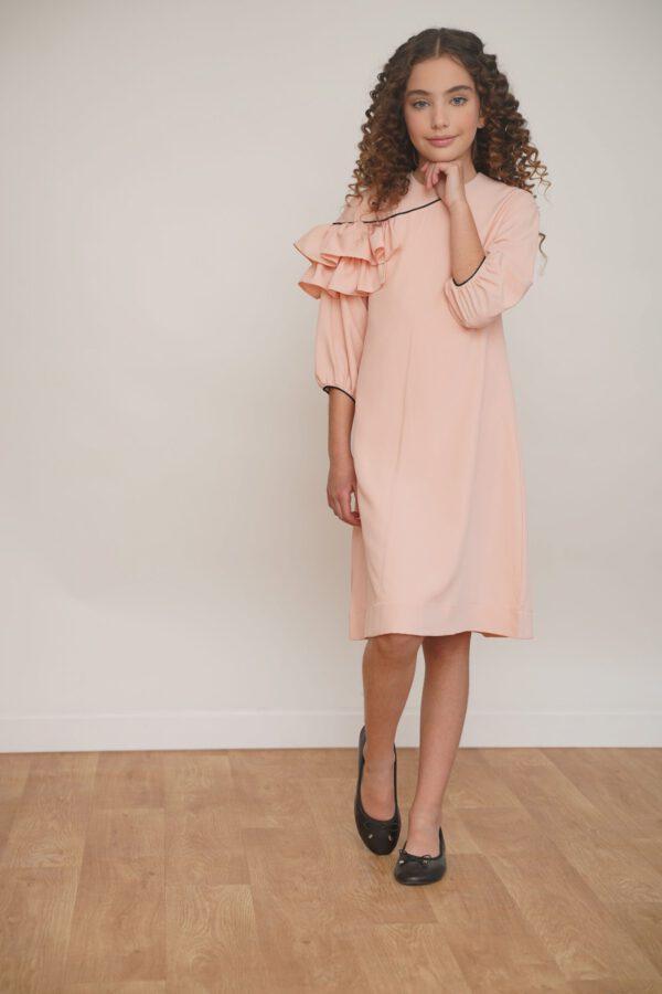 שמלת חגיגית בצבע אפרסק