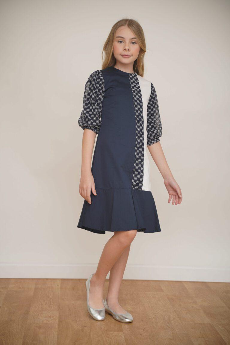 שמלת קולור בלוק עם דוגמת רקמה