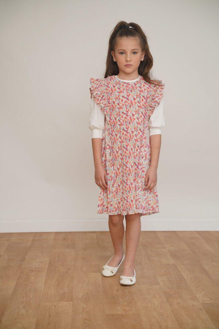 שמלת שיפון עם קפלים דקיקים